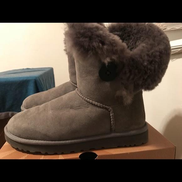 3bbc974b872 Ugg Bailey Button Boots